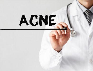 L'argent colloïdal pourrait être la clé du traitement de votre peau acnéique